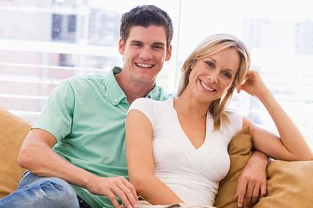 Dating-site ältere männer auf der suche nach jungen frauen